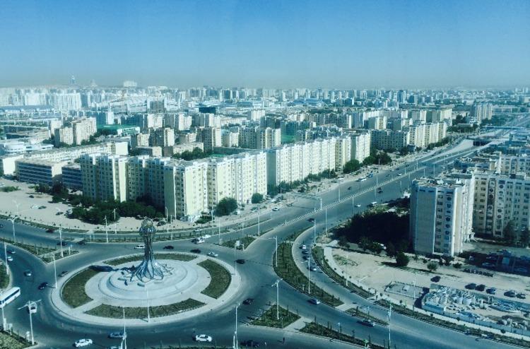 約一人旅、トルクメニスタンへ ...